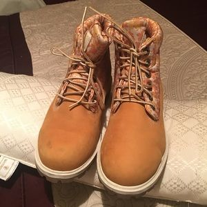 In good condition timberland boots